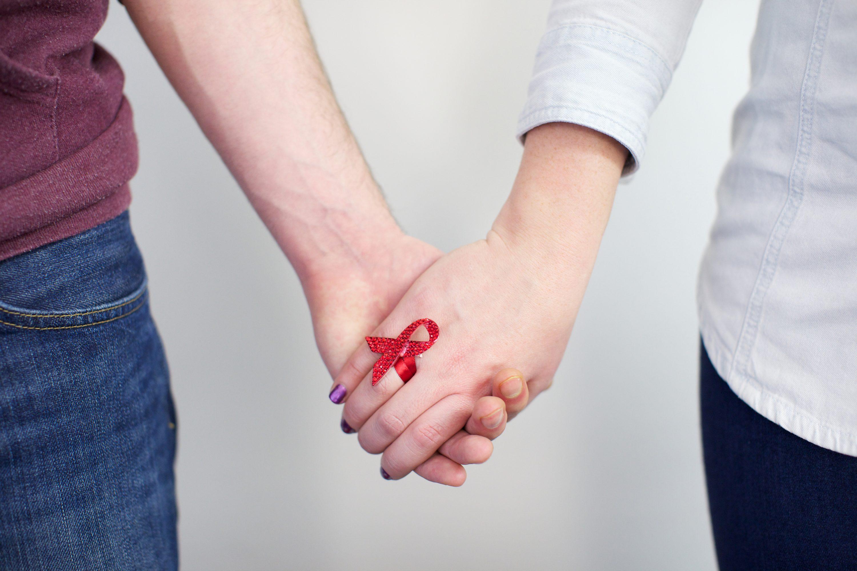 Вирусная нагрузка при ВИЧ. Как обезопасить своего сексуального партнера?